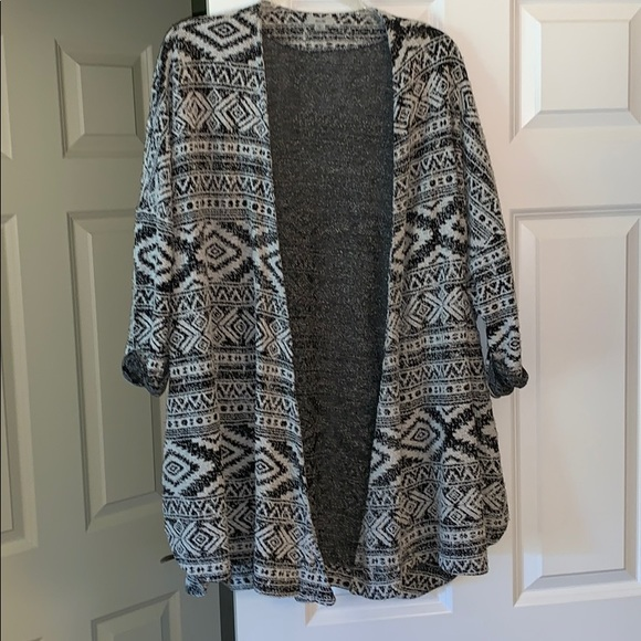 Ecote Sweaters - Urban Outfitters Black & White Patterned Cardigan